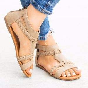 BRAID Love Sandal - LT. TAUPE